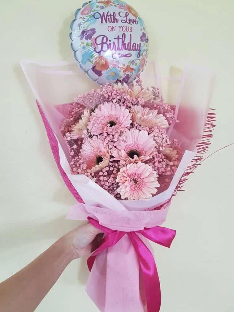 Hoa baby hồng khô kết hợp với hoa đồng tiền