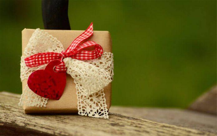Cách tặng quà người yêu bất ngờ