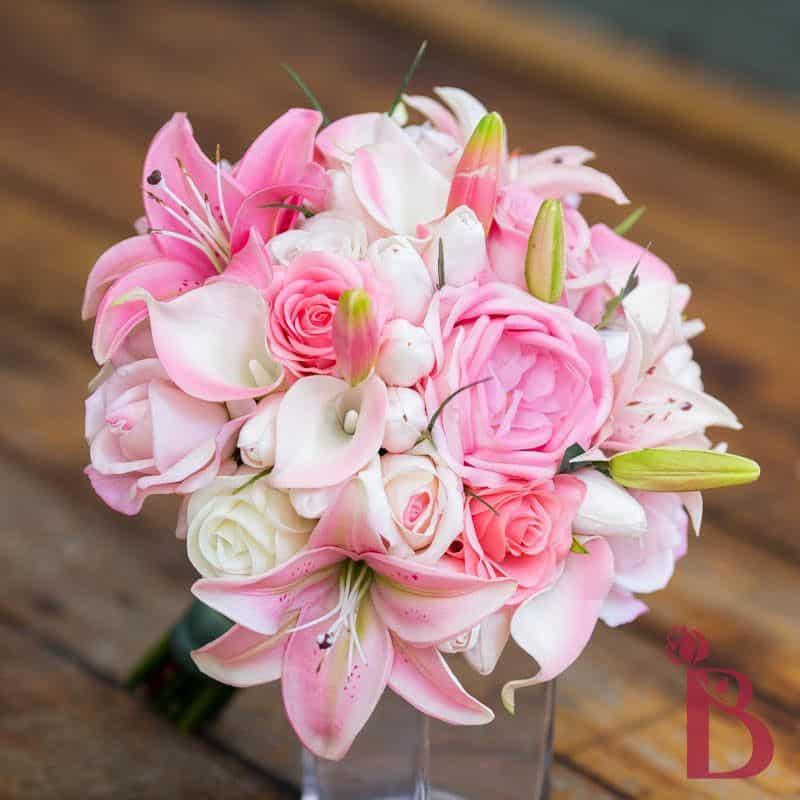 Hoa thạch thảo kết hợp cùng hoa hồng tặng sinh nhật