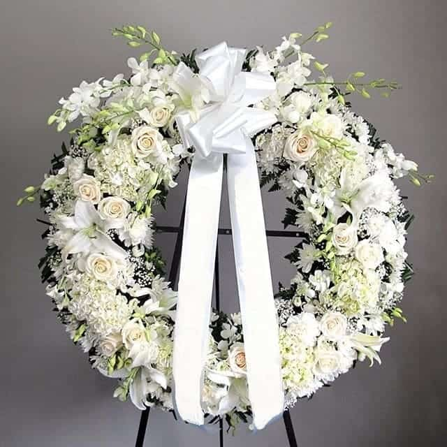 Ảnh vòng hoa chia buồn tang lễ