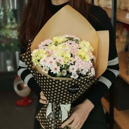 Bó hoa cúc nhiều màu sắc