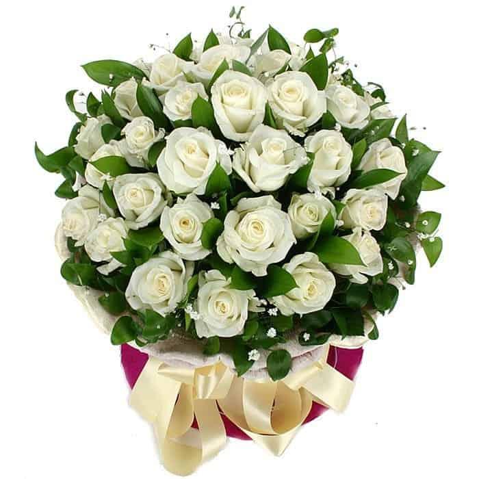 Giỏ hoa hồng trắng tươi rói